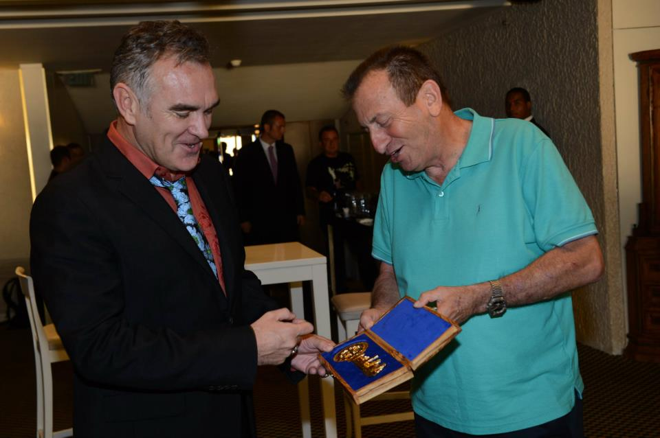 Morrissey getting the key to the city of Tel-Aviv on Channel