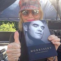 rita_pavone_holds_on_to_morrissey