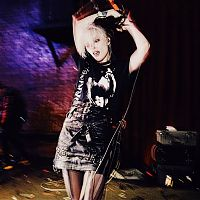 Alice_glass